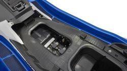 2017-Yamaha-EXDELUXE-EU-Azure-Blue-Metallic-Detail-001