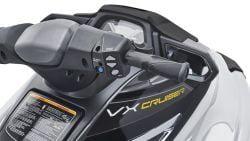 2017-Yamaha-VX-Cruiser-High-Output-EU-Pure-White-Detail-005