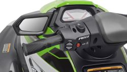 2017-Yamaha-VXR-EU-Carbon-Metallic-with-Electric-Green-Detail-007